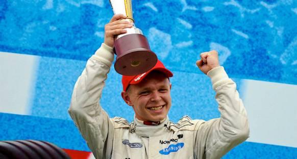 Magnussen Yas Marina'da McLaren kokpitine geçecek