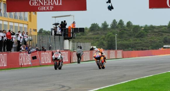 MotoGP'de sezon kapanışı Stoner'dan