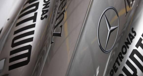 Mercedes pistte konuşmak istiyor