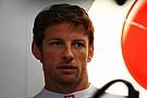 Hamilton Button'ın takımda kalmasını istiyor