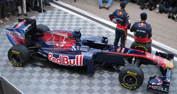 Webber giderse ilk sırada Toro Rosso çifti var