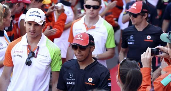 Brundle: Hamilton'ın yaklaşımını değiştirmesi gerek