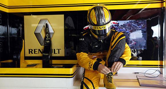 Renault Singapur'da podyumu istiyor