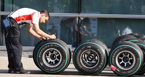 Bridgestone süper soft lastiklerle pilotları zorlayacak