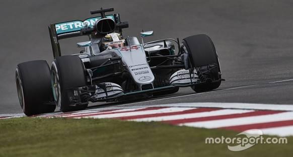 Hamilton Çin'de kullandığı motora geri dönebilecek