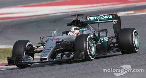 Mercedes 'sıradışı' parçaları test etmeyi planlıyor