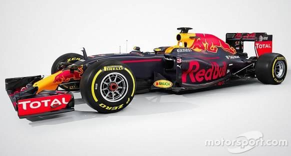 Red Bull RB12'yi tanıtıyor