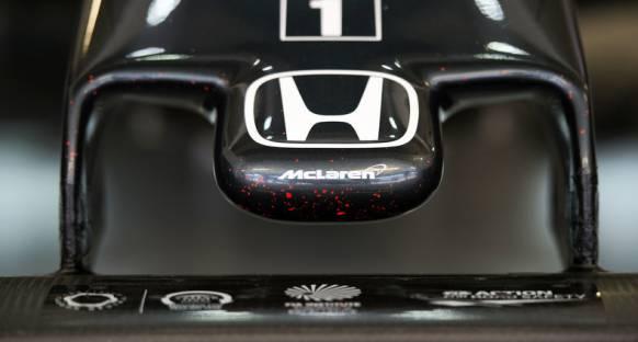 McLaren'dan Ferrari'ye nispet yapar şekilde twit