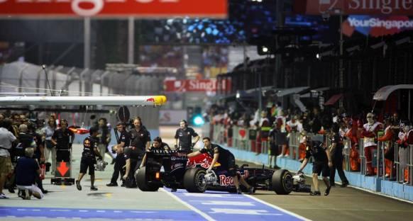 Singapur GP Cuma Antrenmanları 2. Seans Canlı Yayın