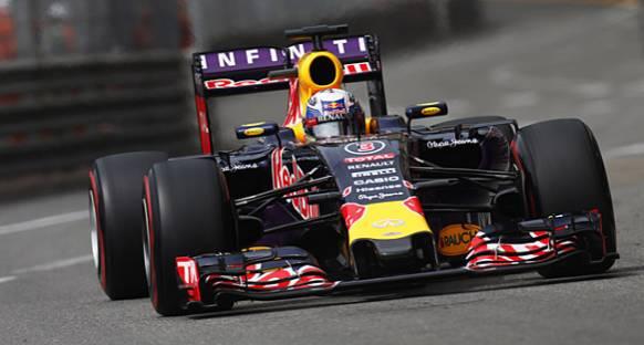 Ricciardo: 'Red Bull değişiklik yapmalı'