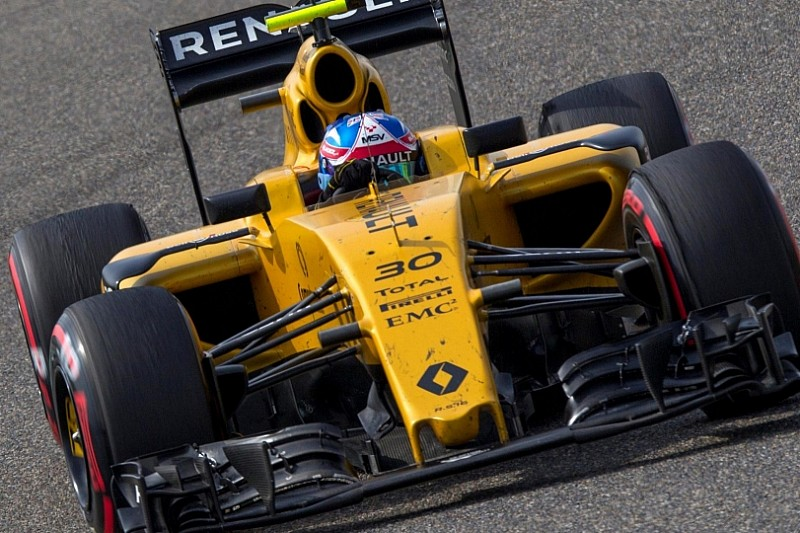 В Renault наважилися агресивніше працювати над болідом