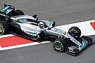 Hamilton si lamenta del poco grip: