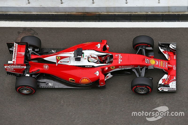 """Arrivabene moedigt Ferrari-team aan: """"We geven titelkansen niet op"""""""