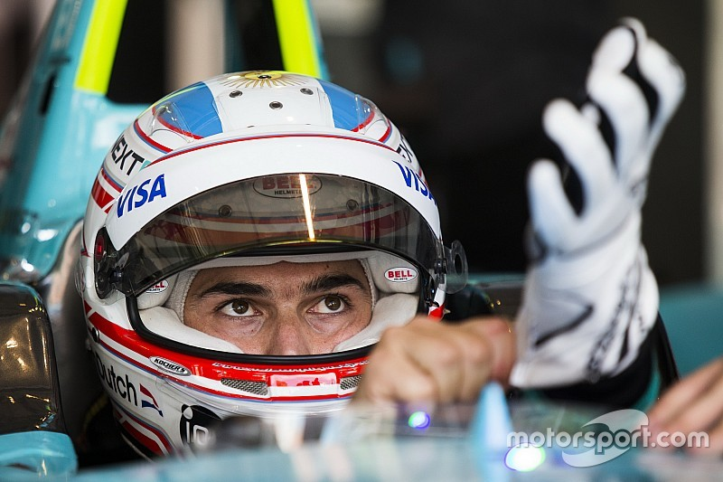 Nelson Piquet Jr in Europese F3-meeting Pau met Carlin