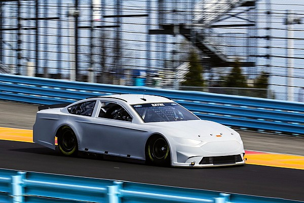 Pilotos de NASCAR alaban repavimentado en Watkins Glen