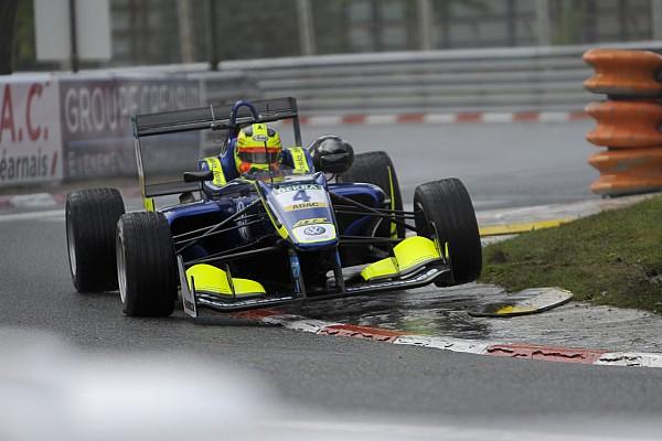 Евро Ф3 Лоранди выиграл финальную гонку в По