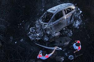 WRC Últimas notícias Após caírem de encosta, carros pegam fogo em Portugal