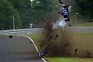 BF3 Piloto indiano sai ileso de capotagem na F3 Britânica