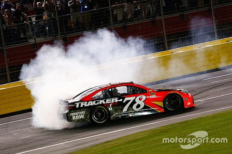 Martin Truex Jr. demütigt die NASCAR-Konkurrenz beim Coca-Cola 600