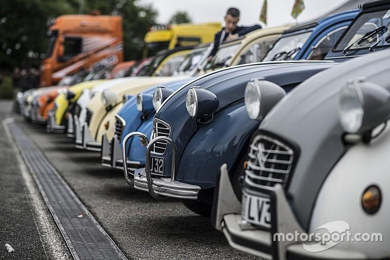 Parijs weert doordeweeks auto's van voor 1997 uit binnenstad