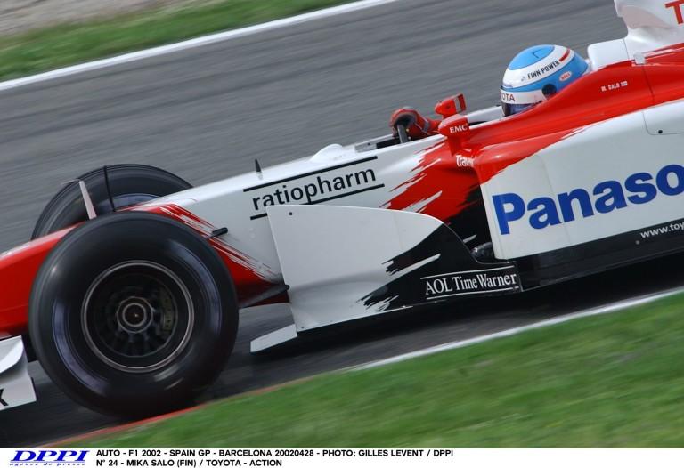 14 éve ilyen hangos volt az F1 Barcelonában: Toyota
