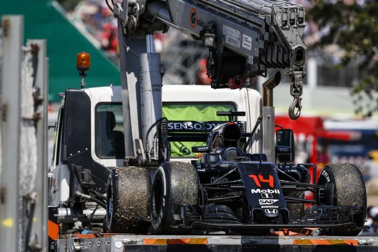 """Ki érti ezt? Alonso motorja elzárta """"magától"""" az üzemanyagot"""