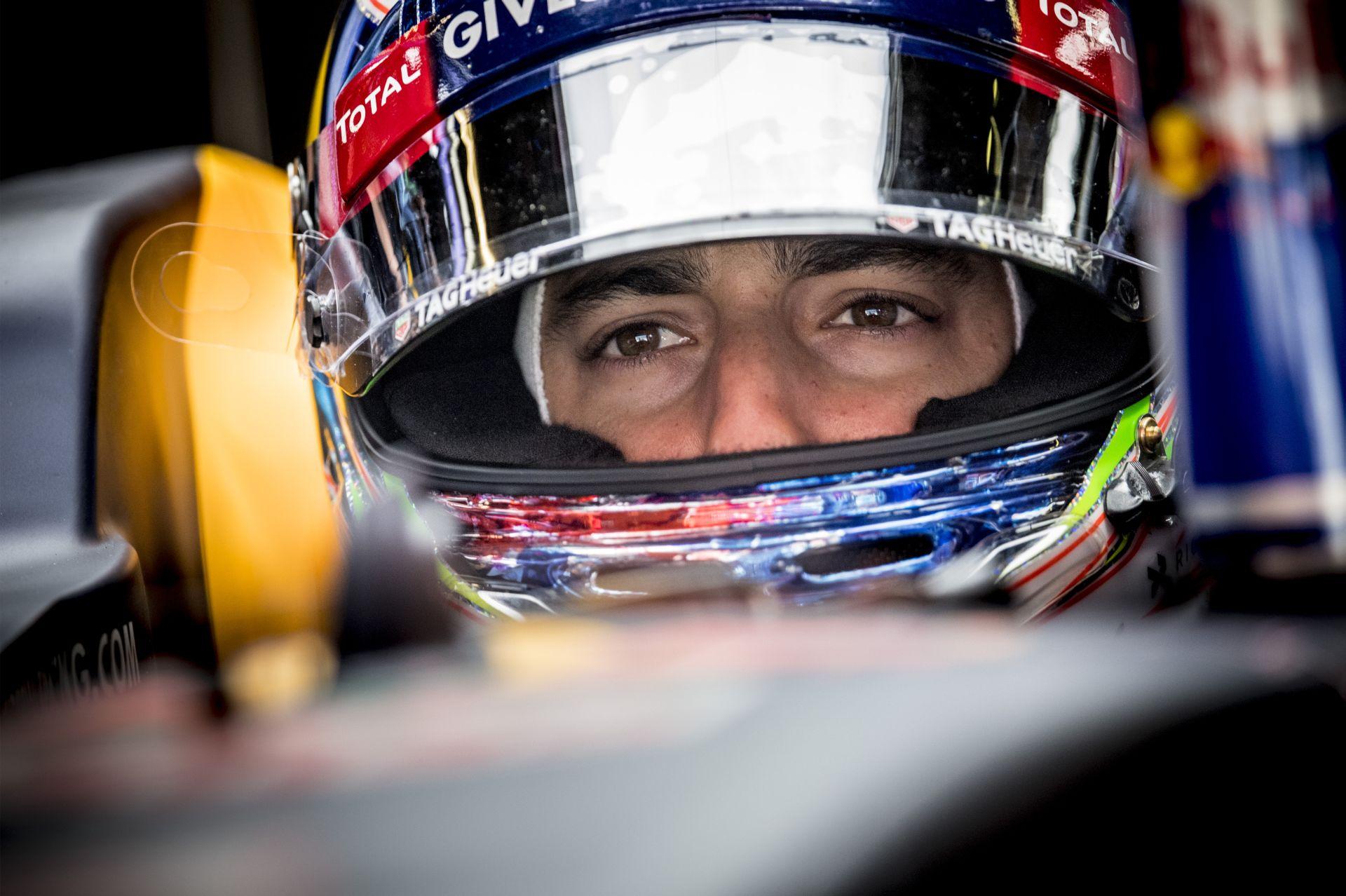 Ricciardo és Red Bull-parádé Monacóban a második edzésen a Mercedes előtt: eltűnt a Ferrari