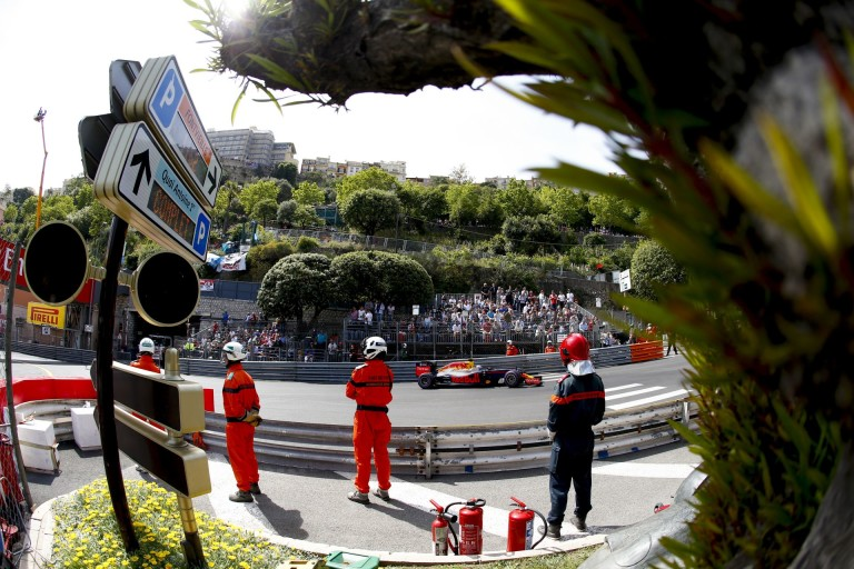 """11 millió forintba kerülő hőkamerával """"kémked"""" a Red Bull a Mercedes után Monacóban"""
