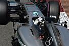 Videón, ahogy Hamilton és Ricciardo majdnem összeütközik egymással Monacóban
