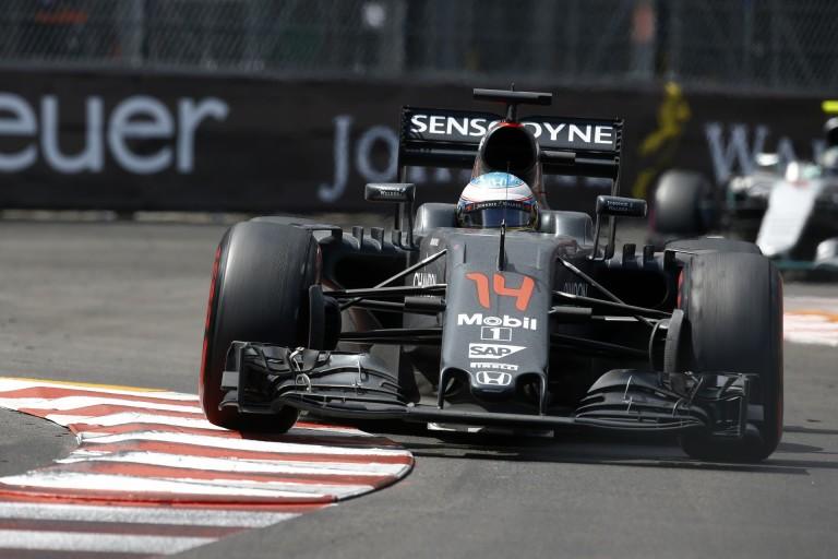 Alonso szerint akár a dobogós helyezés is meglehetett volna neki Monacóban