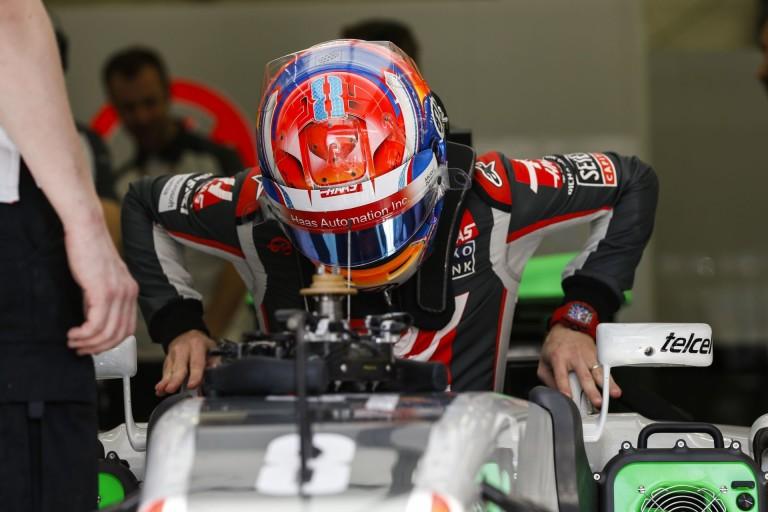 Hihetetlen, amit a Haas csinál: Grosjean önerőből a 9. Bahreinben