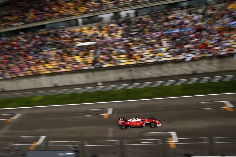 """Vettel """"versenybalesetről"""" beszél, de tovább rágja a Kvyat-csontot"""