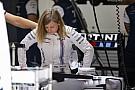 Ecclestone akár 20 millió támogatást is adna egy női versenyzőnek!