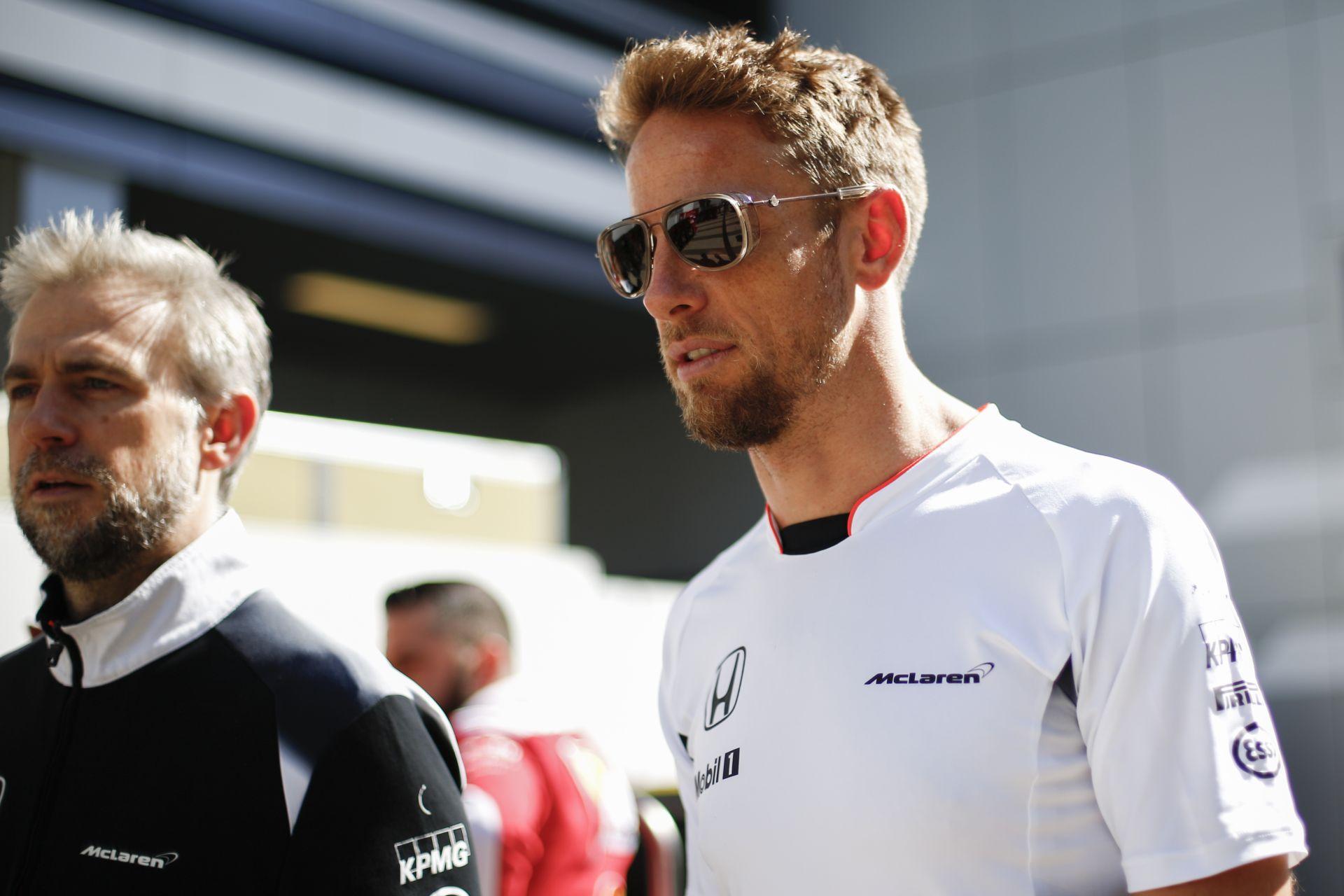 Button a Hondától teszi függővé, hogy 2017-ben nyugdíjba vonul-e vagy sem!