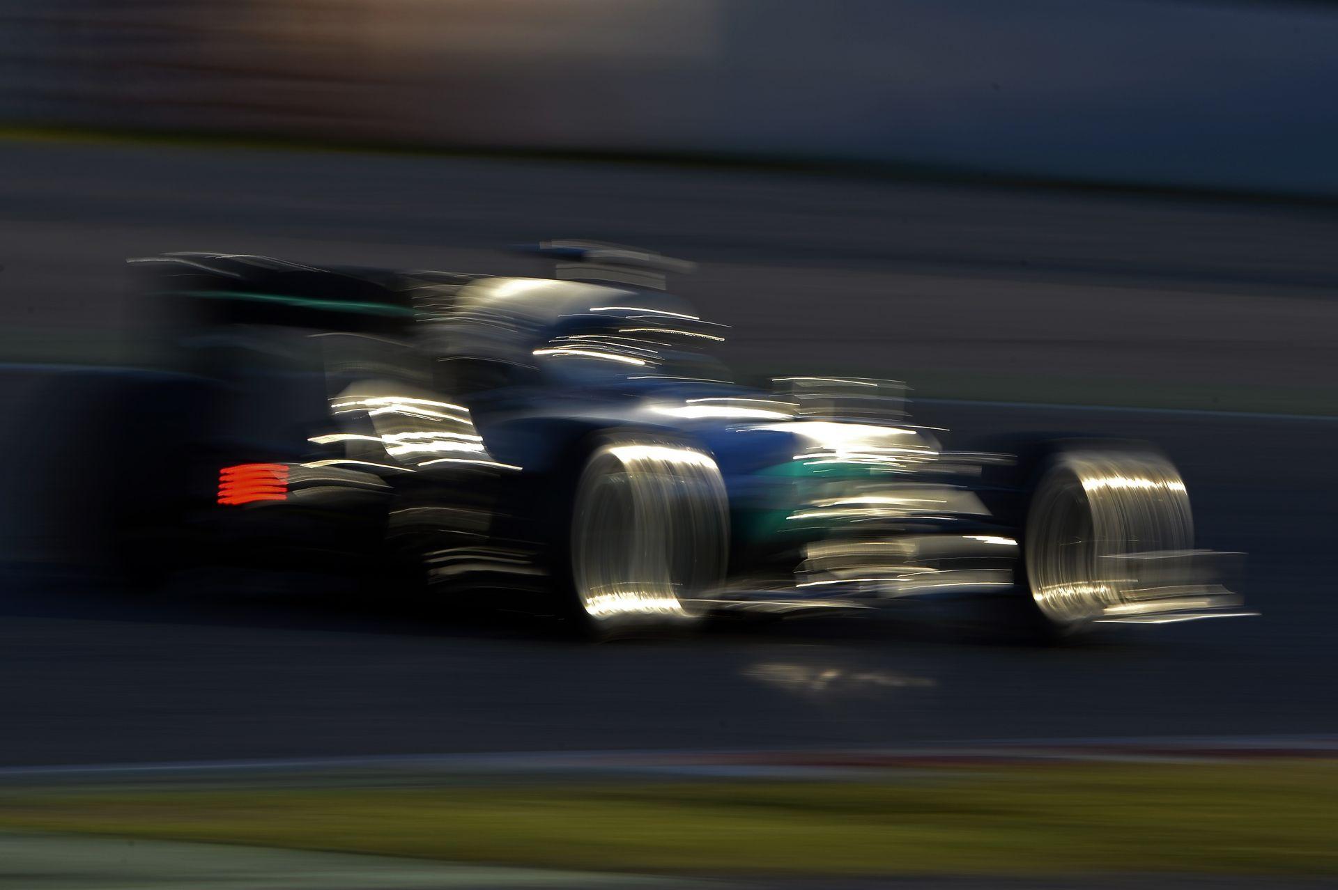 A Mercedes 4.4 millió euróért indulhat az idei Forma-1-es világbajnokságban!