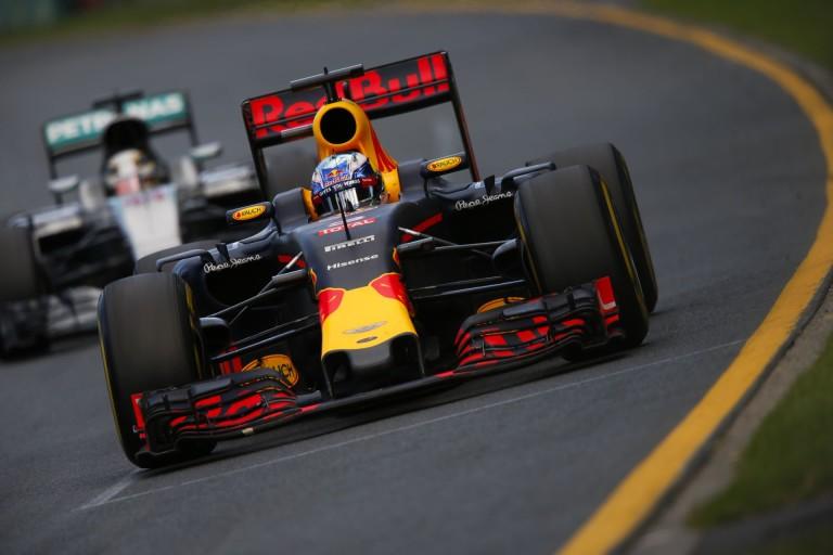 Az idei Red Bull Mercedes motorral agyonverne mindenkit?!