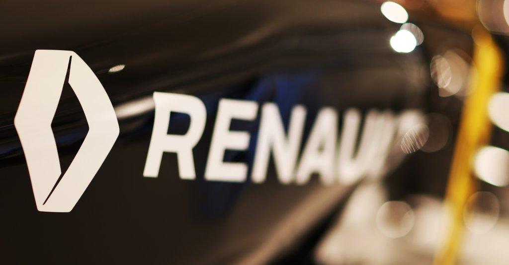 Részlet a Renault festéséből: fekete és sárga a két alapszín?