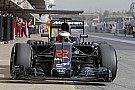 Újra a pályán a McLaren-Honda: Button már öltözik