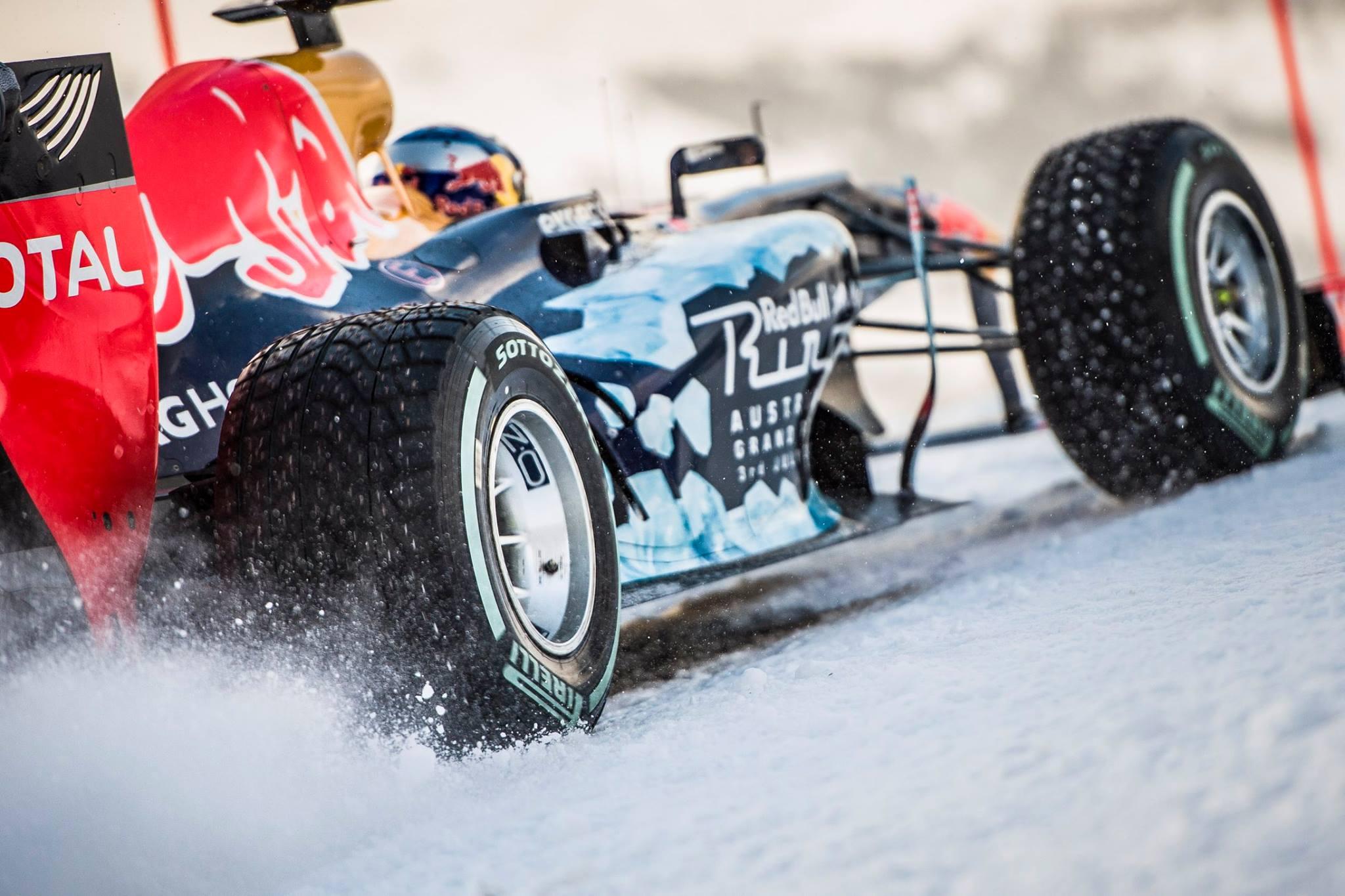 Képgaléria Max Verstappen első F1-es havas száguldásáról: szöges gumik a Red Bullon