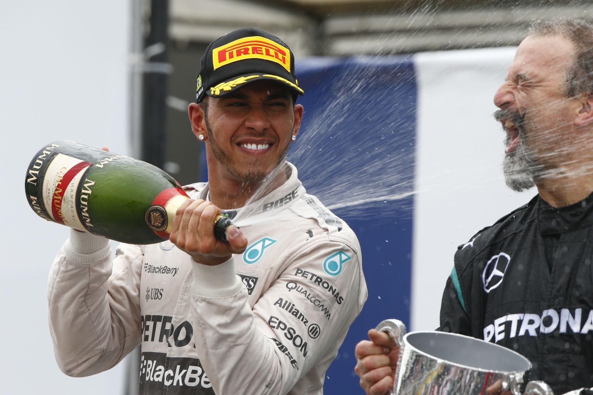 Ezentúl más pezsgőt locsolnak az F1-es dobogókon