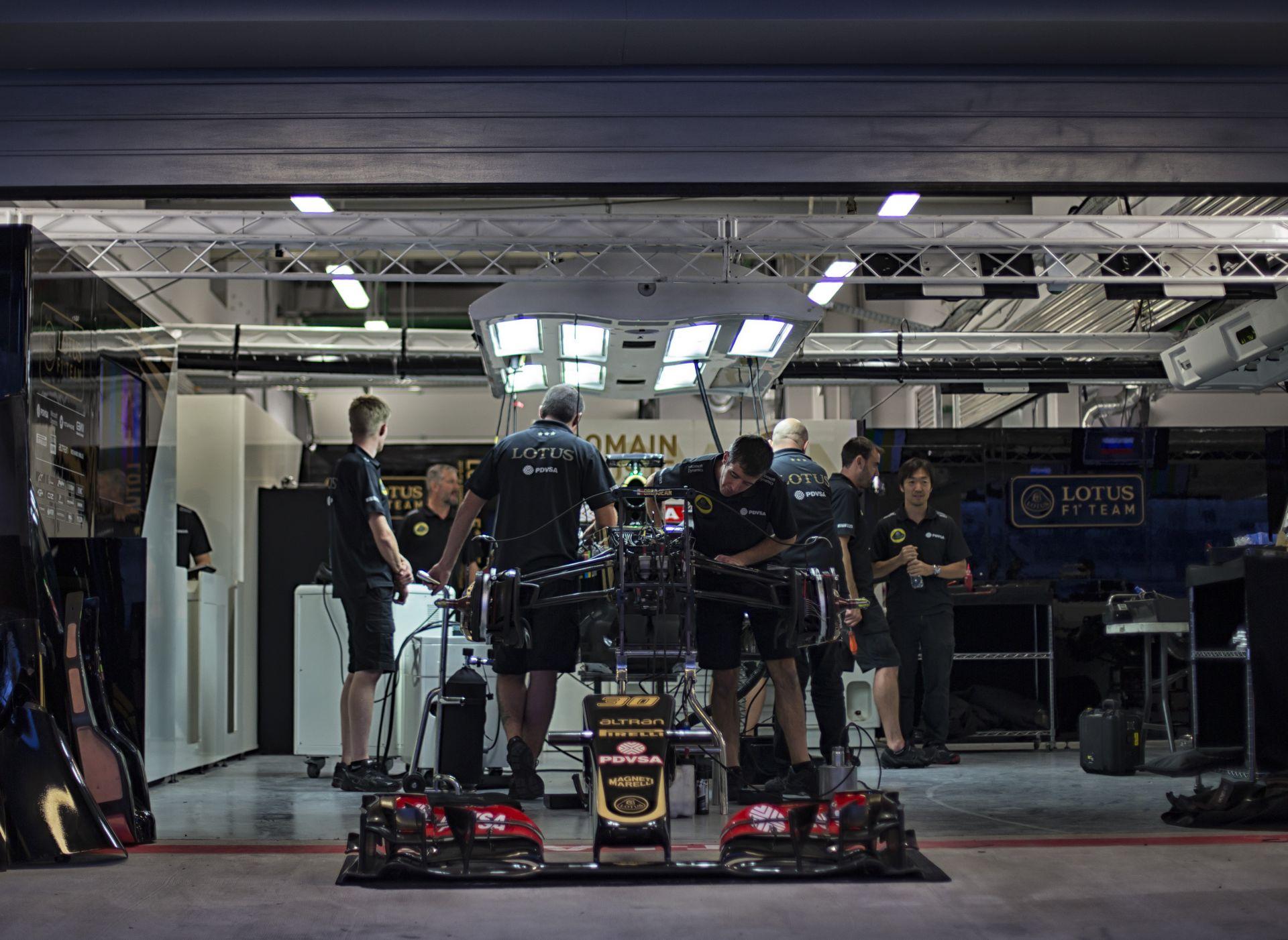 A Lotusnál még mindig két autót terveznek 2016-ra: egyet Mercedes-, egyet Renault-motorral