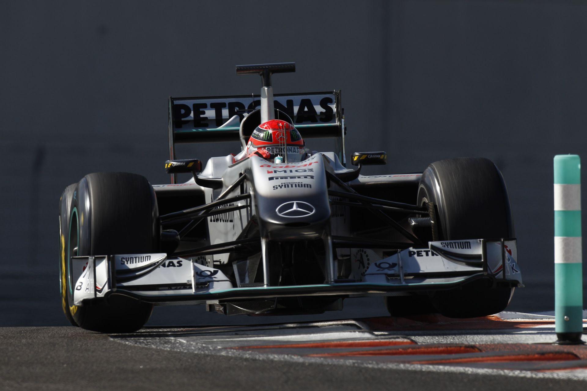 F1-ES MŰSOR: Végre vége a 2015-ös szezonnak?! Jövőre Ferrari-győzelem, vagy semmi! (19:00)