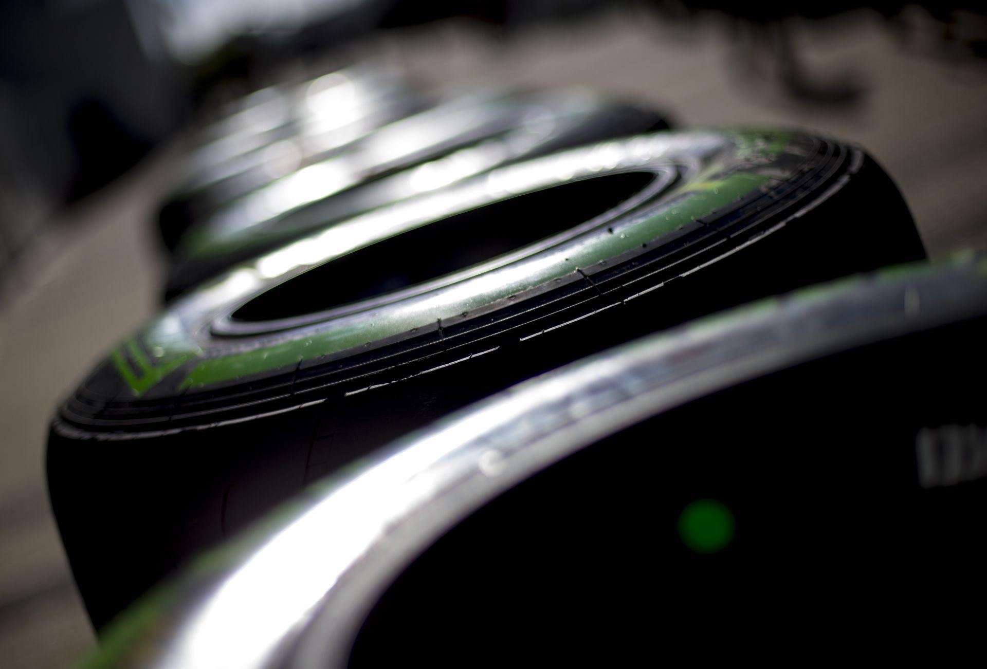 Rossz hír: csak ezeken a pályákon használhatják majd az F1-es csapatok a Pirelli ultra-lágy abroncsait