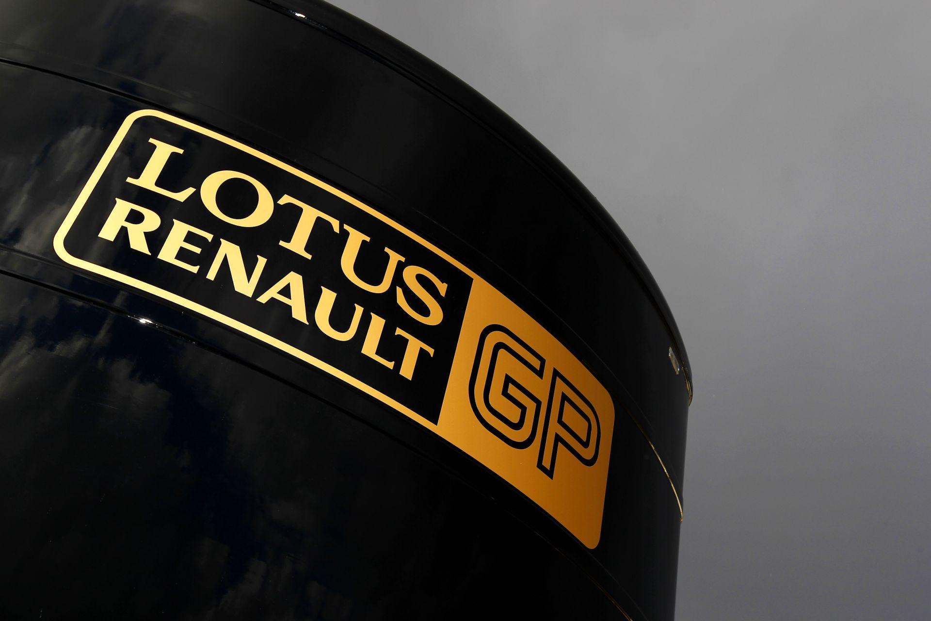 """Ecclestone új ajánlatot tett: a Renault egyre közelebb a """"boldogító igenhez""""!"""