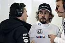 Még jó, hogy csak Szuzukában játszották be Alonso üzeneteit: meglepődnénk, mire bukkannánk