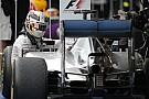 Testközelből a Mercedes legújabb fejlesztése: jobb hűtés Hamilton és Rosberg autójának