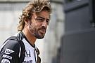 Alonso a pontokért minden trükköt bevet Szingapúrban!