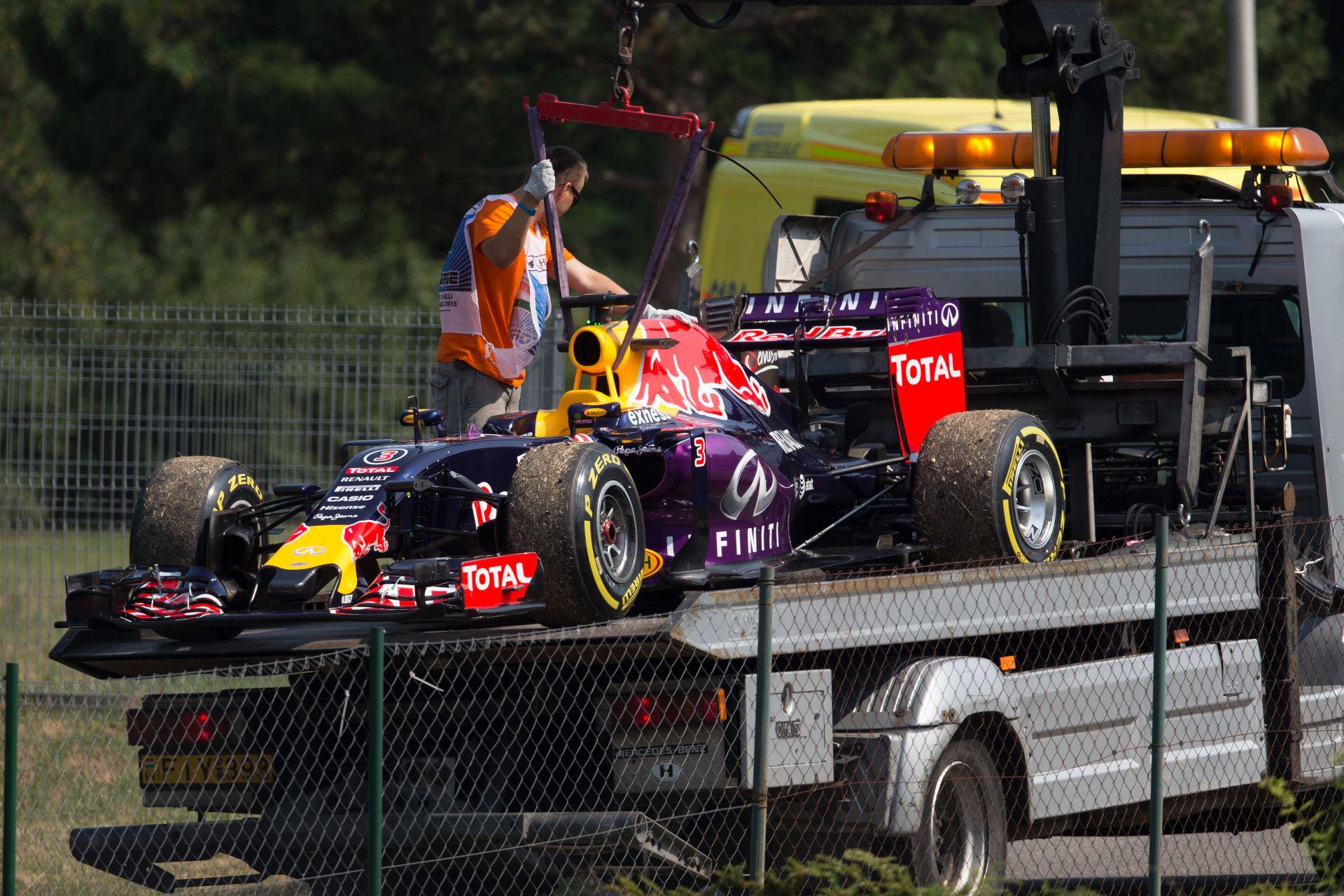 A Red Bull és a Toro Rosso is kiszállhat az F1-ből az év végén: plusz a Renault is kihúzhatja a dugót
