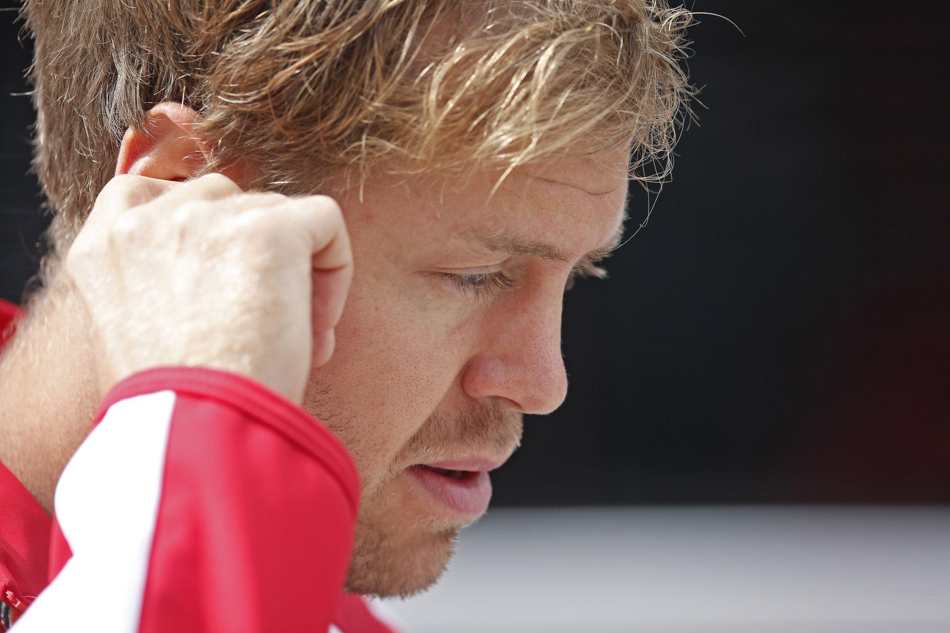 """Vettel Szingapúrban a Ferrarival: """"Az a ku**a forgalom!"""""""
