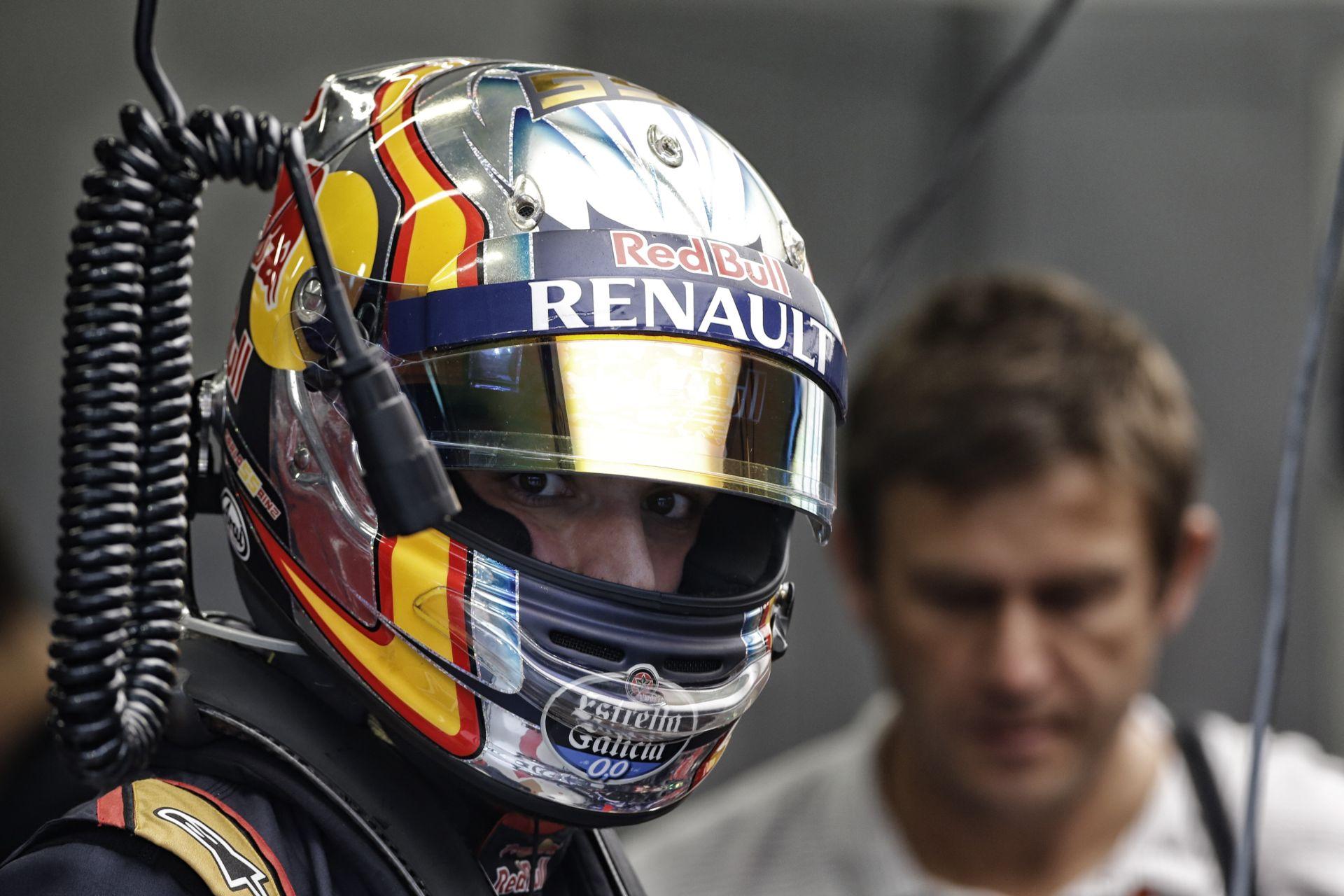 Sainz kezd frusztrált lenni Verstappen miatt, aki mindenkit lenyűgöz